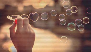 Dünyanı değiştirmek istiyorsan âşık ol
